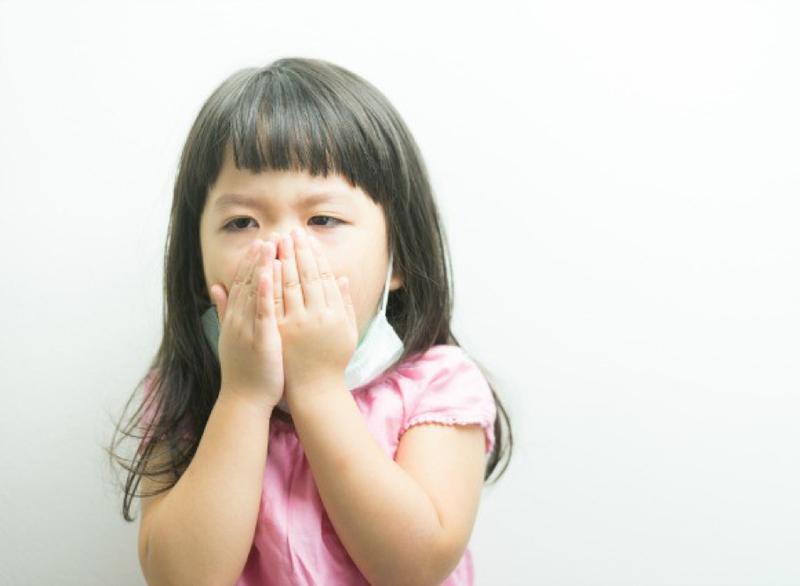 Tuỳ tiện dùng thuốc kháng sinh sẽ làm hệ miễn dịch của trẻ bị suy yếu