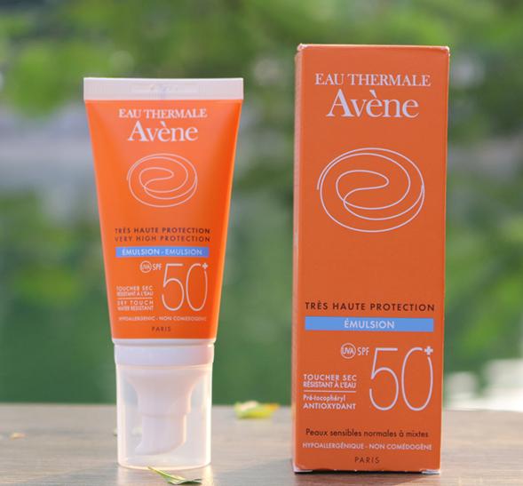 Kem chống nắng thương hiệu Pháp - Avene Very High Protection Emulsion