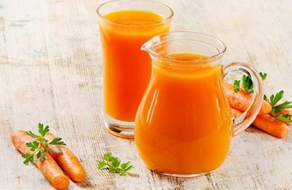 Làm mát gan bằng nước ép cà rốt