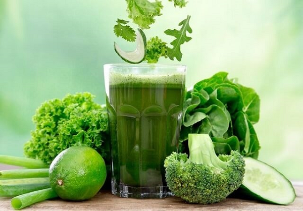 Làm mát gan bằng thức uống từ rau xanh