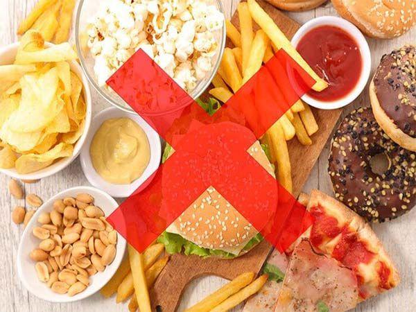 Hạn chế thức ăn chế biến sẵn để hạ men gan