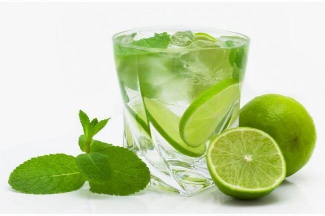Sử dụng nước chanh hằng ngày rất tốt cho bệnh gan nhiễm mỡ
