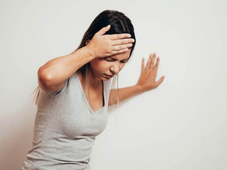 triệu chứng Cơ thể mất thăng bằng đột ngột