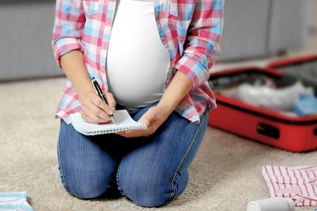 Thời điểm mẹ bầu cần chuẩn bị đồ đi sinh