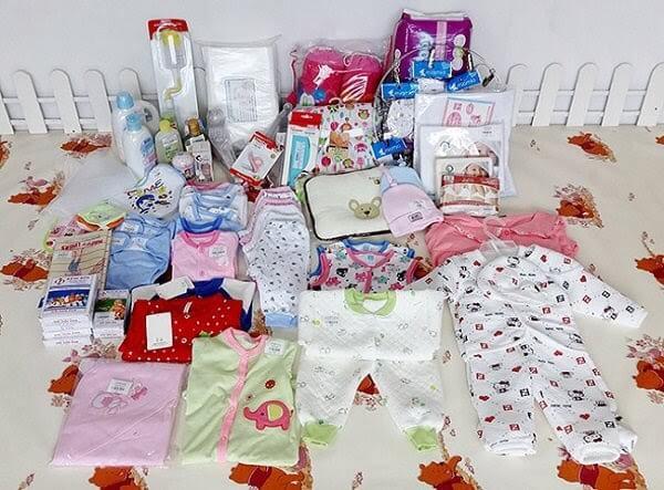 Quần áo dành cho bé sơ sinh