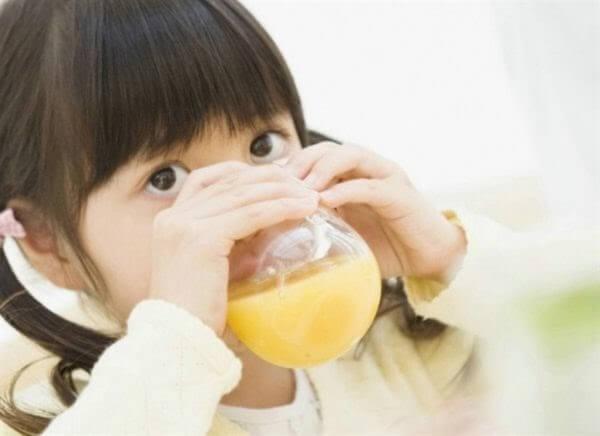 Tăng cường vitamin C cho trẻ