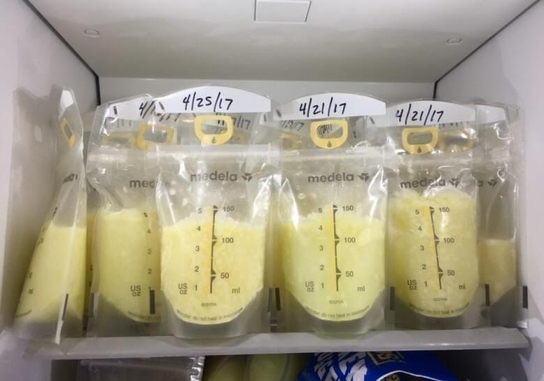 Sử dụng sữa rã đông cho bé sữa đúng cách
