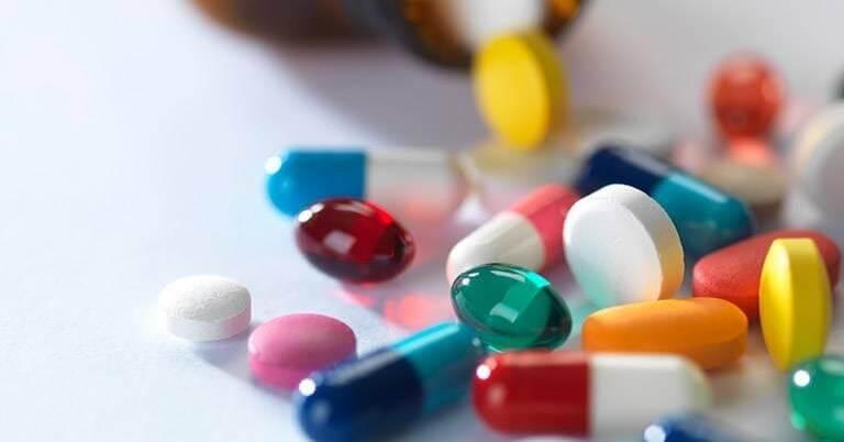 Sử dụng thuốc, thực phẩm chức năng chuyên điều trị trĩ