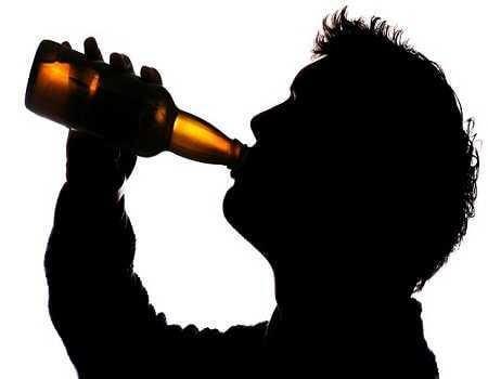 Người thường xuyên uống rượu, bia