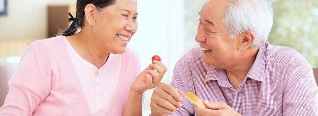 Dầu cá Omega 3 giúp tăng cường thị lực ở người cao tuổi