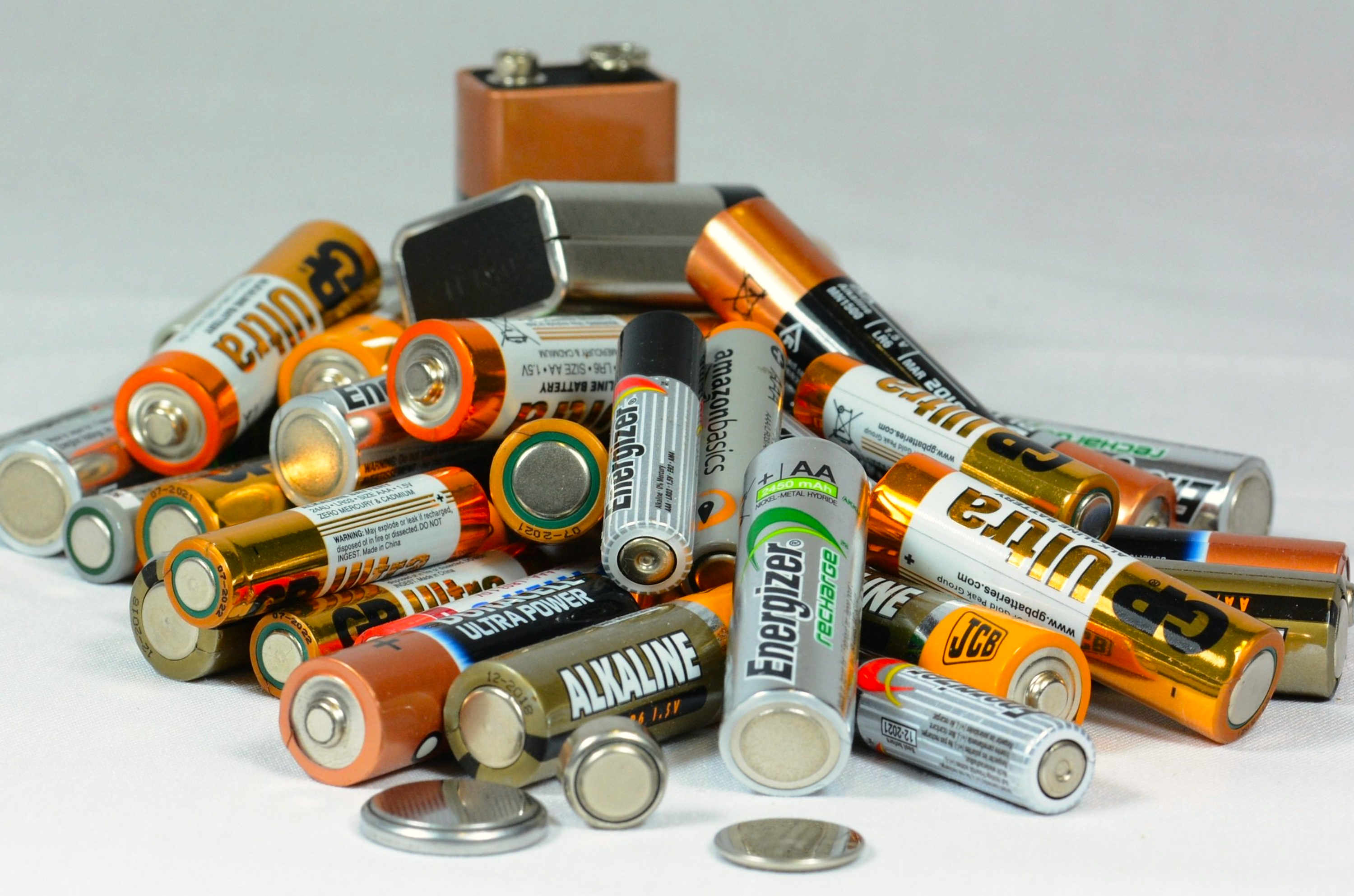 A pile of mixed batteries.