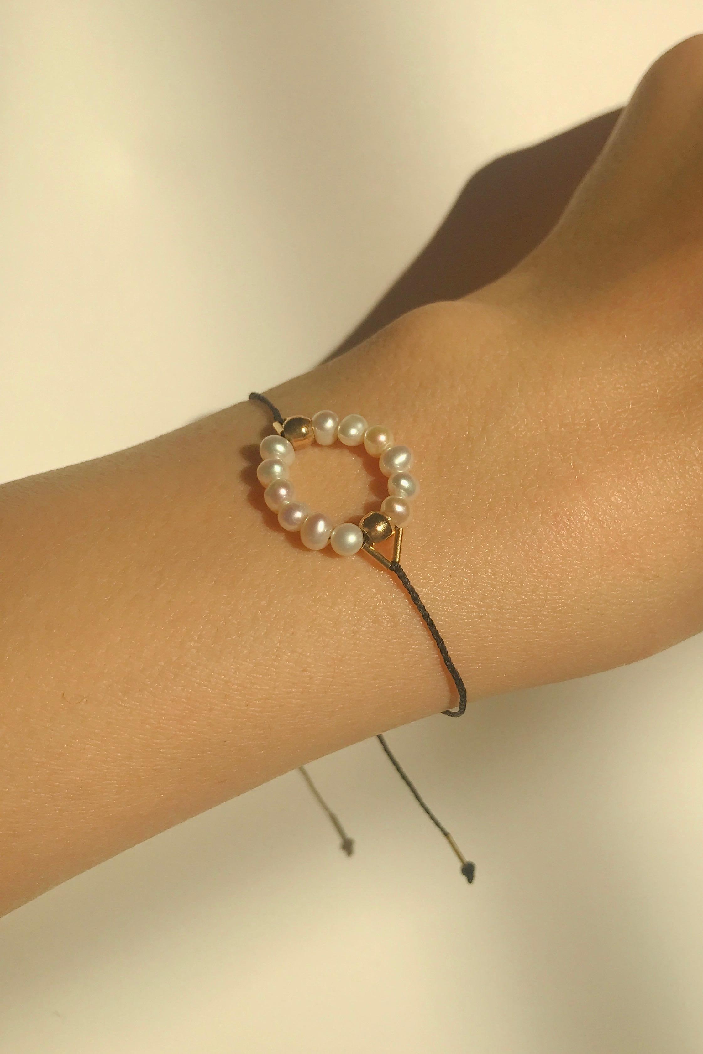 J14. Circle Bracelet Black