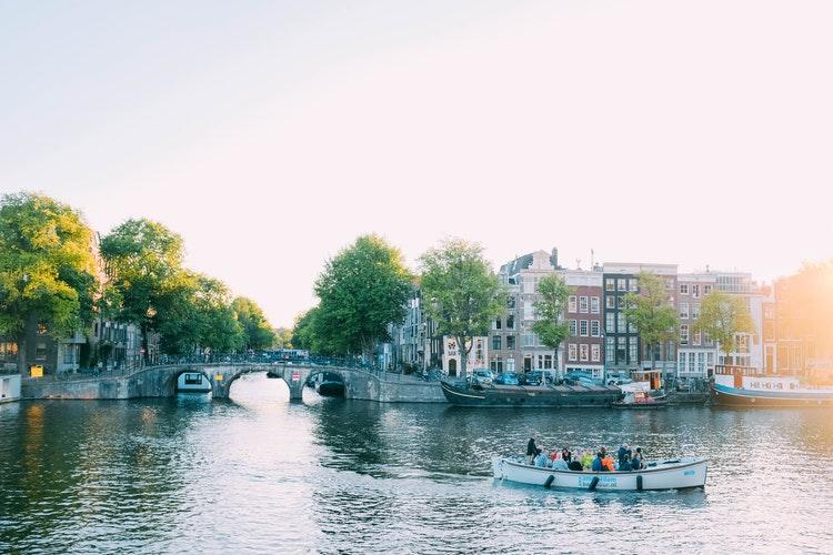 amsterdam en 2 jours canoe bateau canal