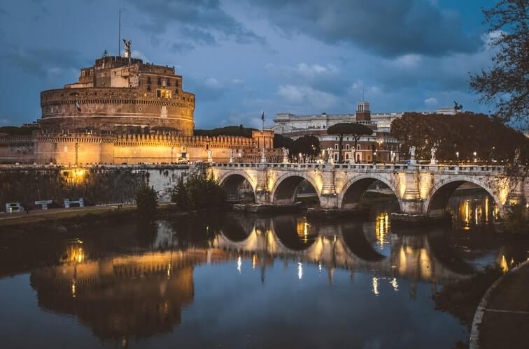 visiter rome autrement nuit