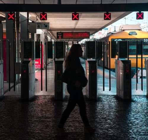 classique tramway lisbonne portugal