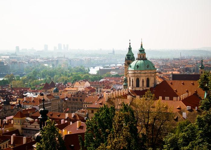 Vue aérienne sur Prague