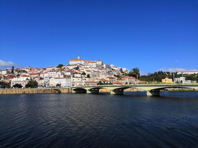 Vue aérienne sur Coimbra