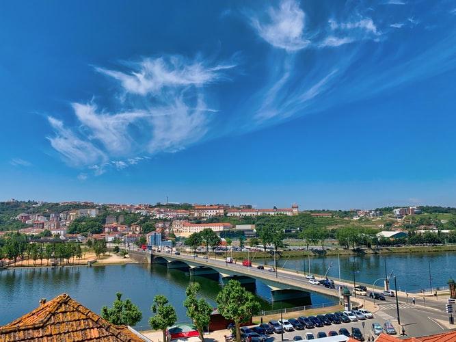 Pont et rivière à Coimbra