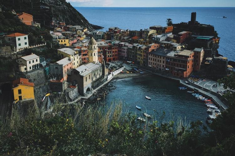 Vue depuis le sentier sur Vernazza