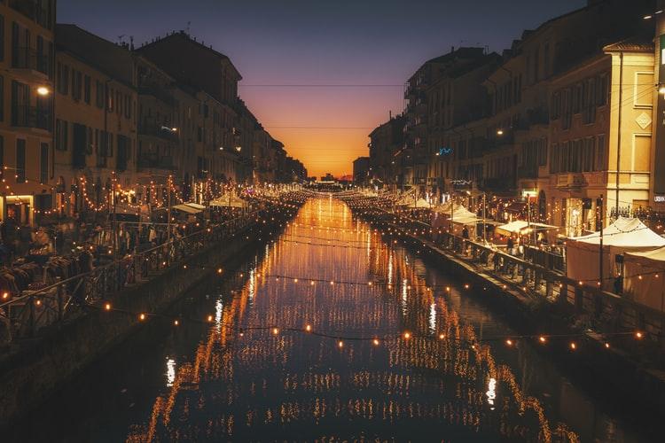 Le quartier Naviglio animé de Milan