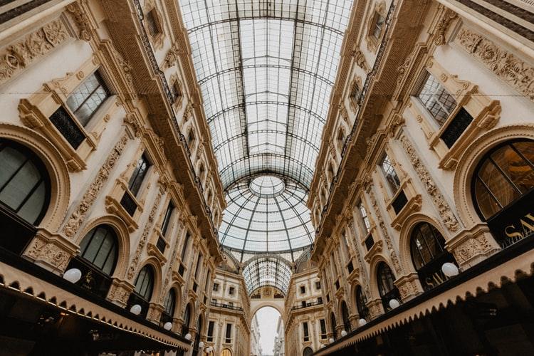 La Galleria Vittorio Emanuele II : centre commercial chic et richement orné
