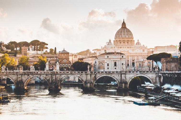 Rome et le Vatican en arrière plan