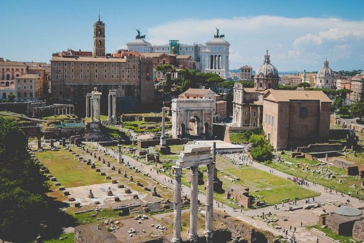 Les Ruines datant de l'empire Romain