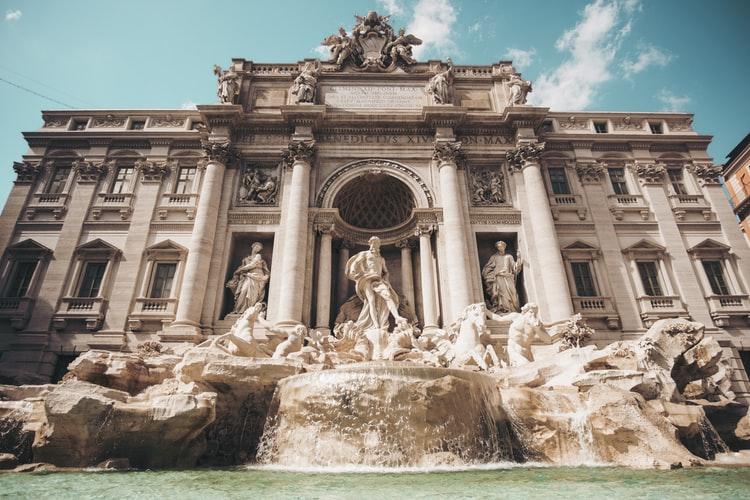 La célèbre fontaine de Trevi