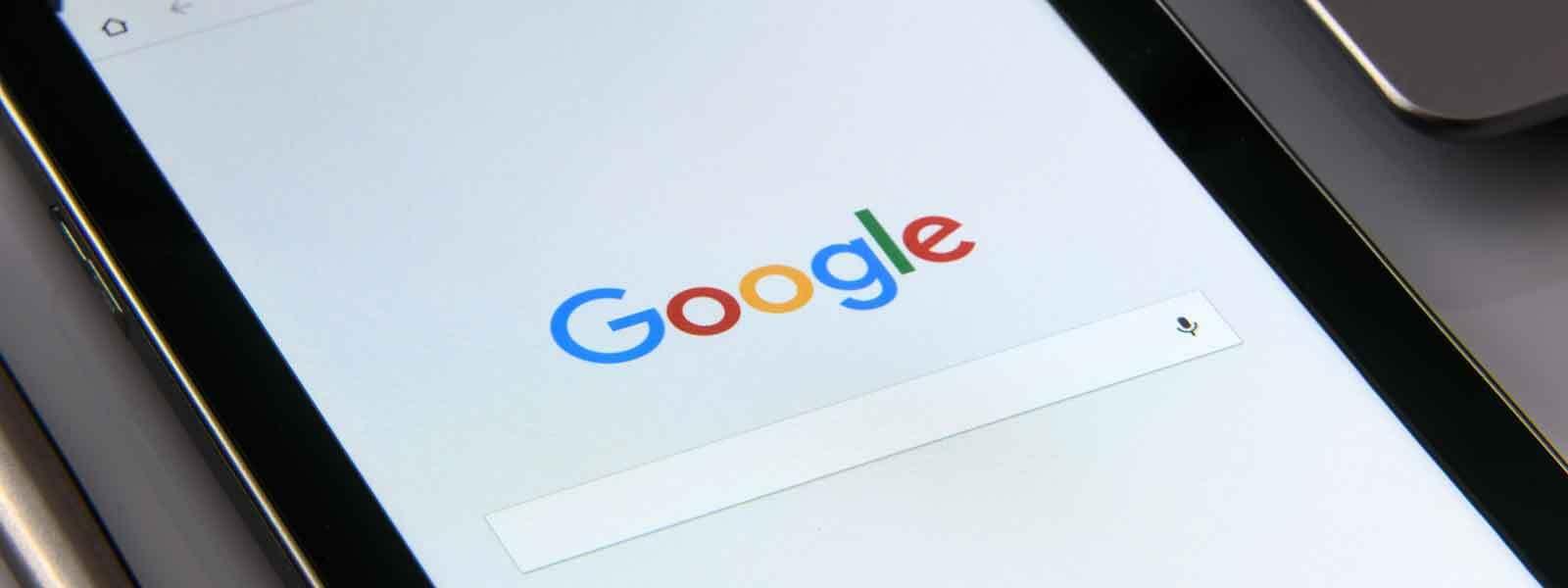 close up van de google zoekpagina op een smartphone