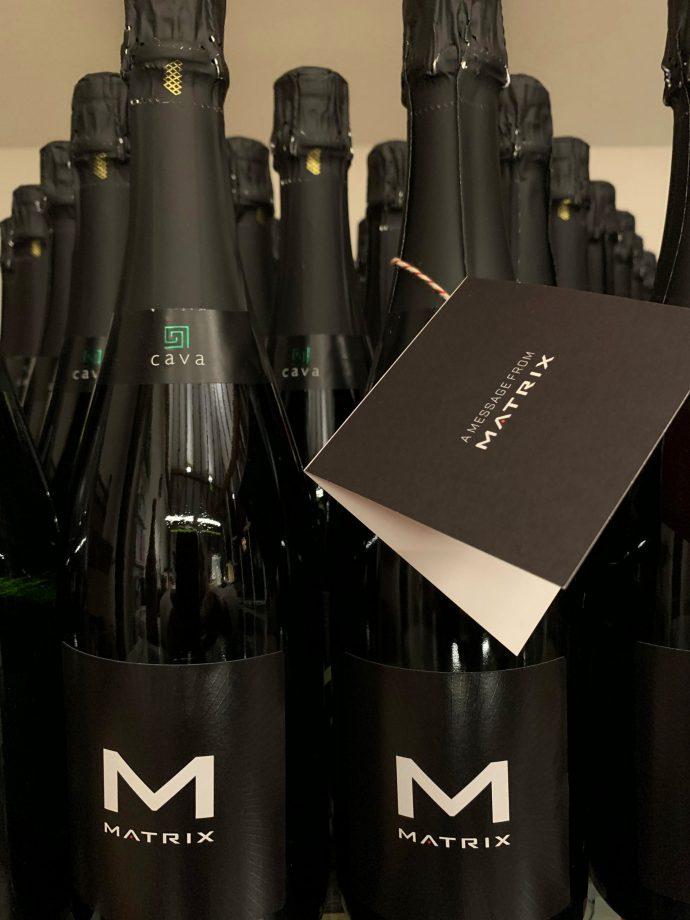 Flessen Cava met Matrix-etiket