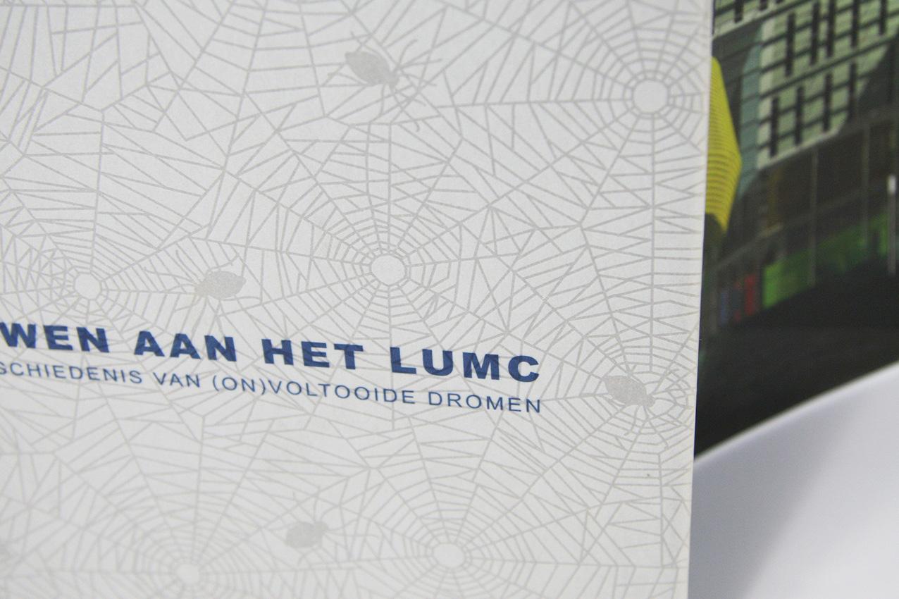 Cover van het boek 'Bouwen aan het LUMC' - detail
