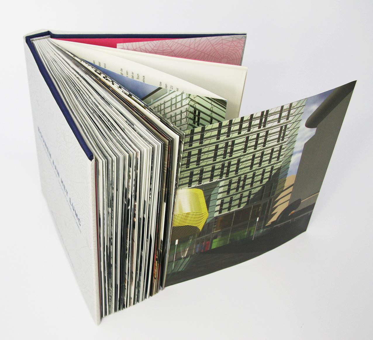 'Bouwen aan het LUMC', boek staand