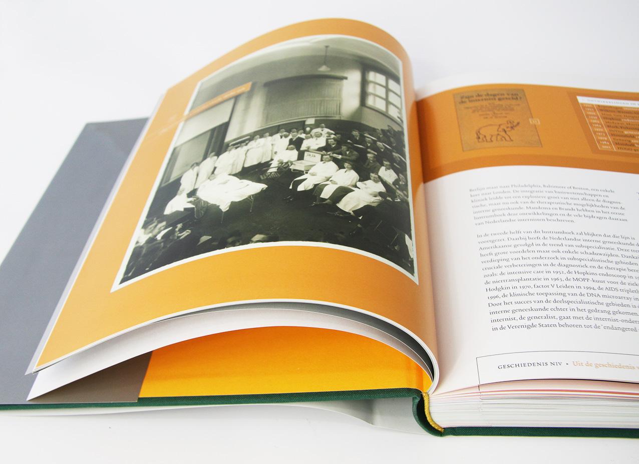 Binnenwerk jubileumboek NIV