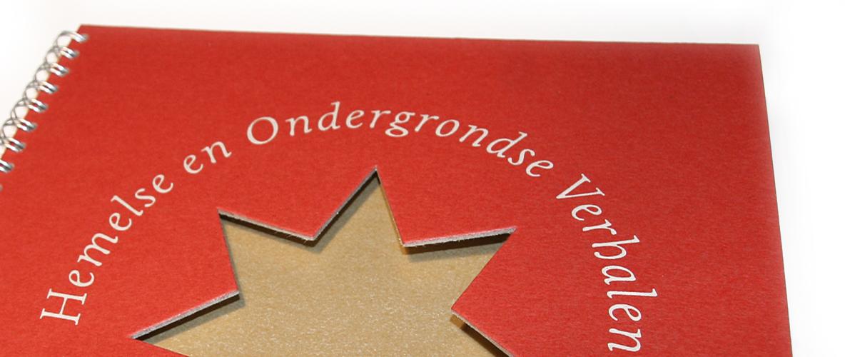 Omslag lustrumuitgave 'Hemelse en ondergrondse verhalen' van Stichting 'De kerstavond van mevrouw Klein Sprokkelhorst'