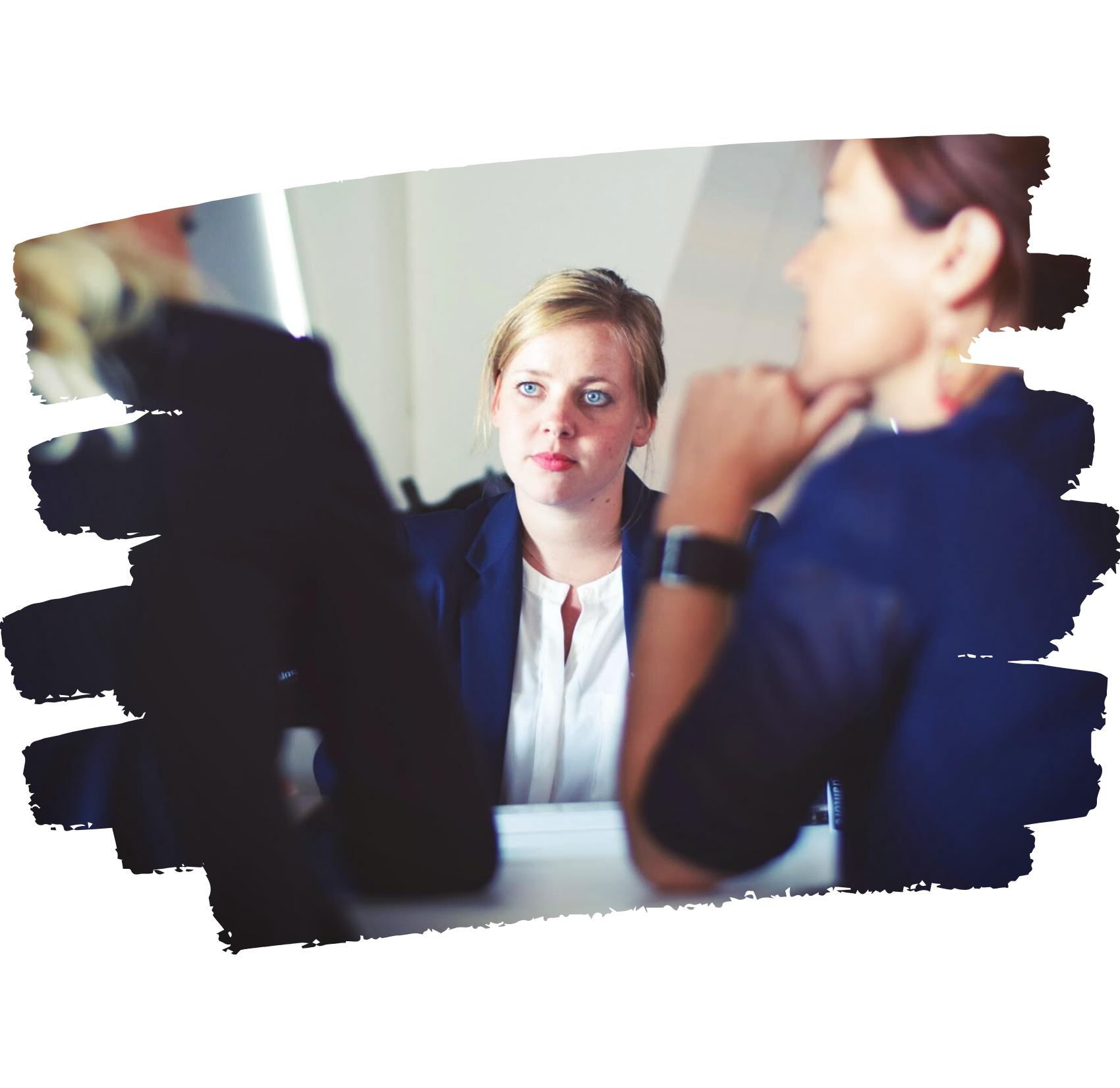 Entretien d'embauche effectué par un recruteur