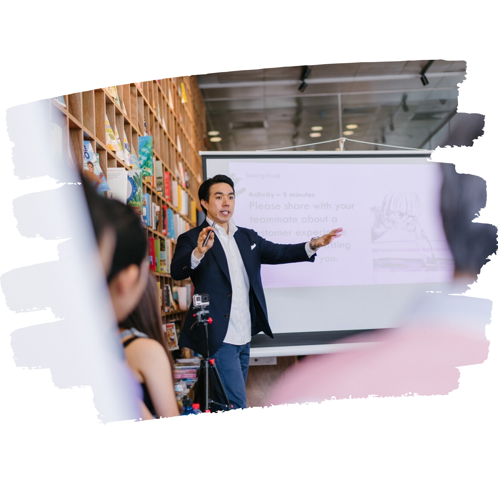 Formateur donnant une formation en langue