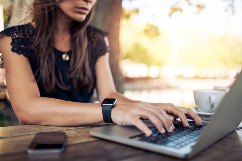 woman-job-search-on-computer