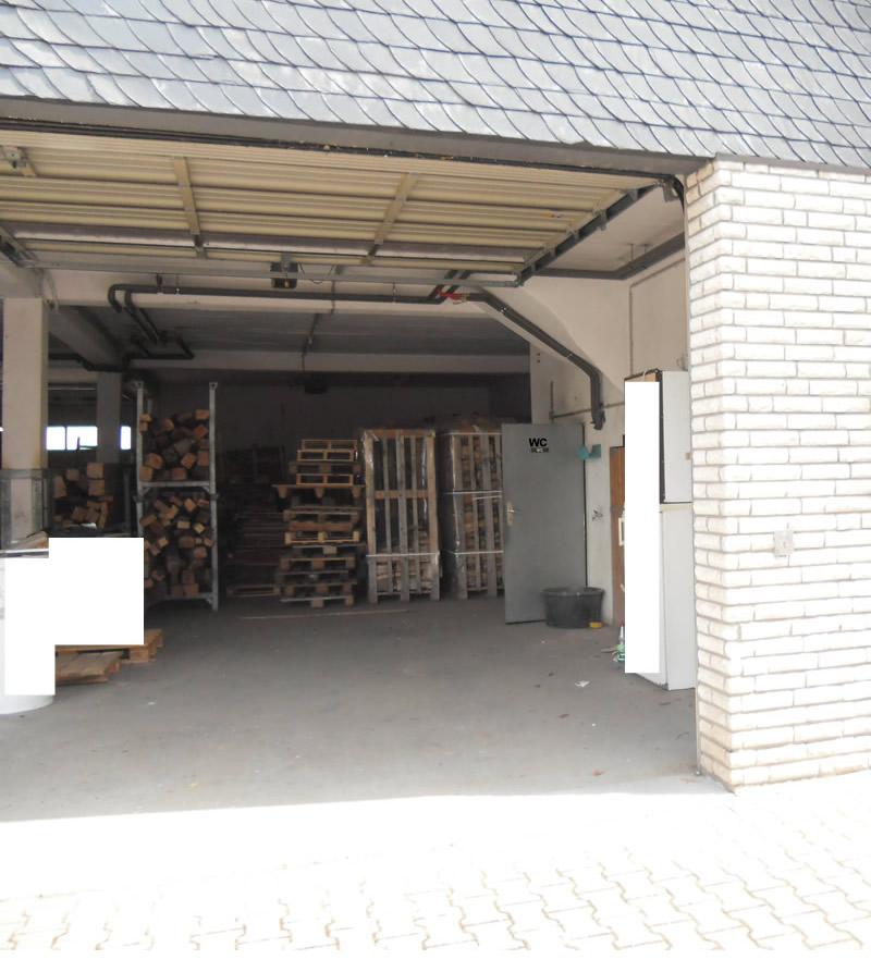 Lagerhalle in Dieburg mit Rolltor sowie Magazin im OG. Die Anmietung von Zusatzfläche im OG ist möglich.