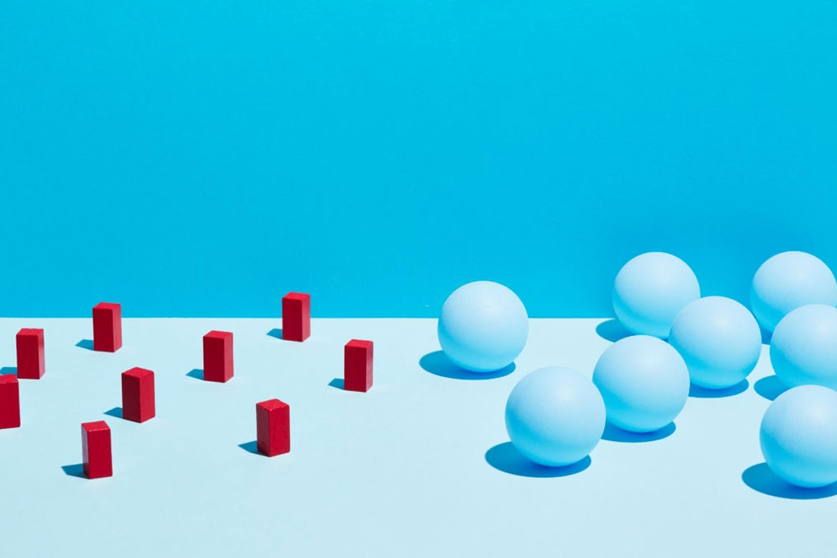 3d figures representing customer aquisition and lifetime value