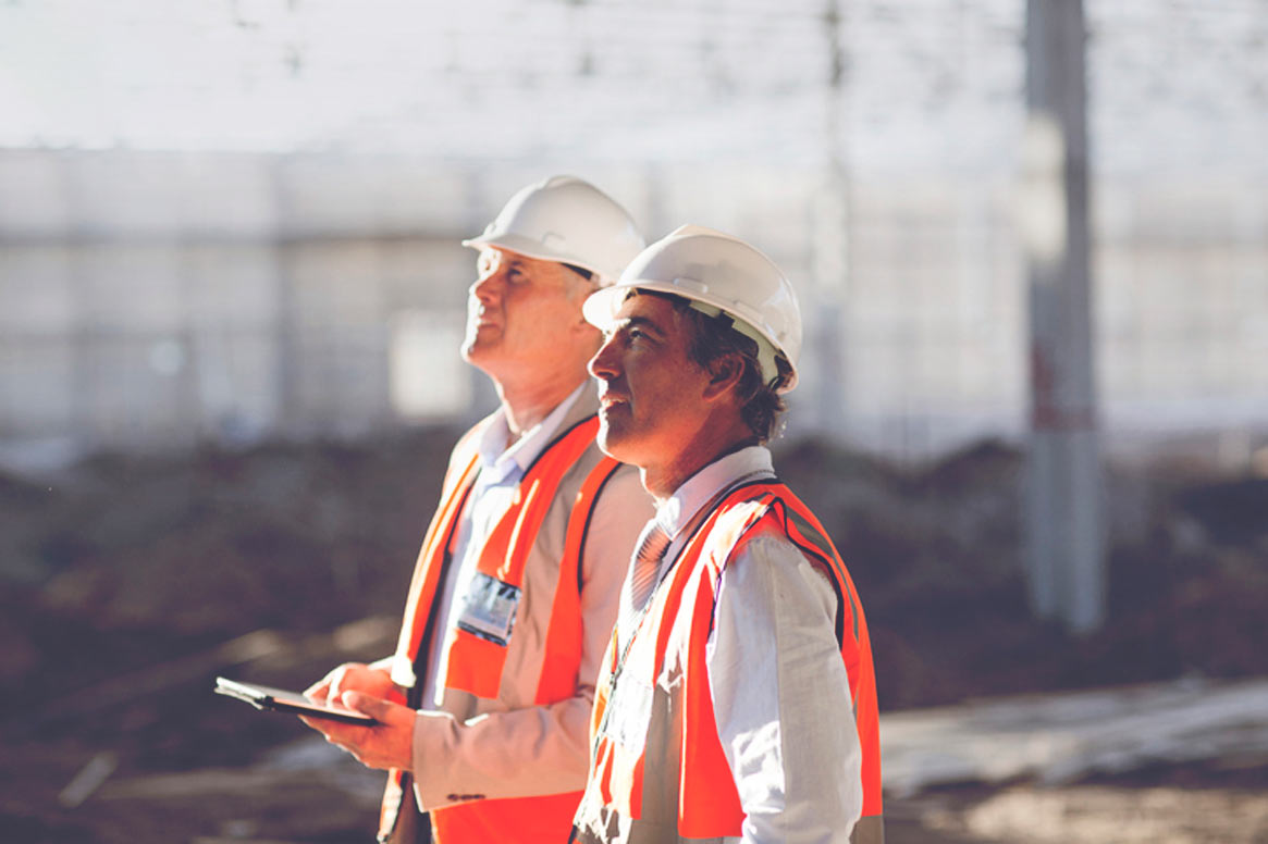 ouvriers de la construction sur le chantier