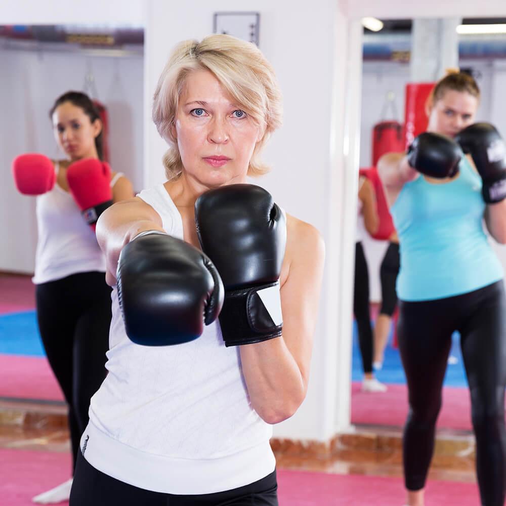 Bild einer Fitness-Fighting-Gruppe
