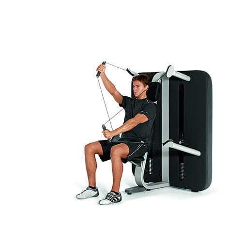 Ein Bild eines Mannes der ein Fitnessgerät benutzt