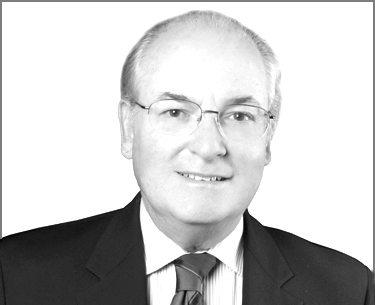 Peter E. Pincus