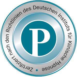 Zertifikatssiegel weißes P auf blaugrünem Grund für  Yager Therapie Hypnose und Coaching Praxis Groenesteyn Muenchen und Prien am Chiemsee von Dr. Norbert Preetz Magdeburg