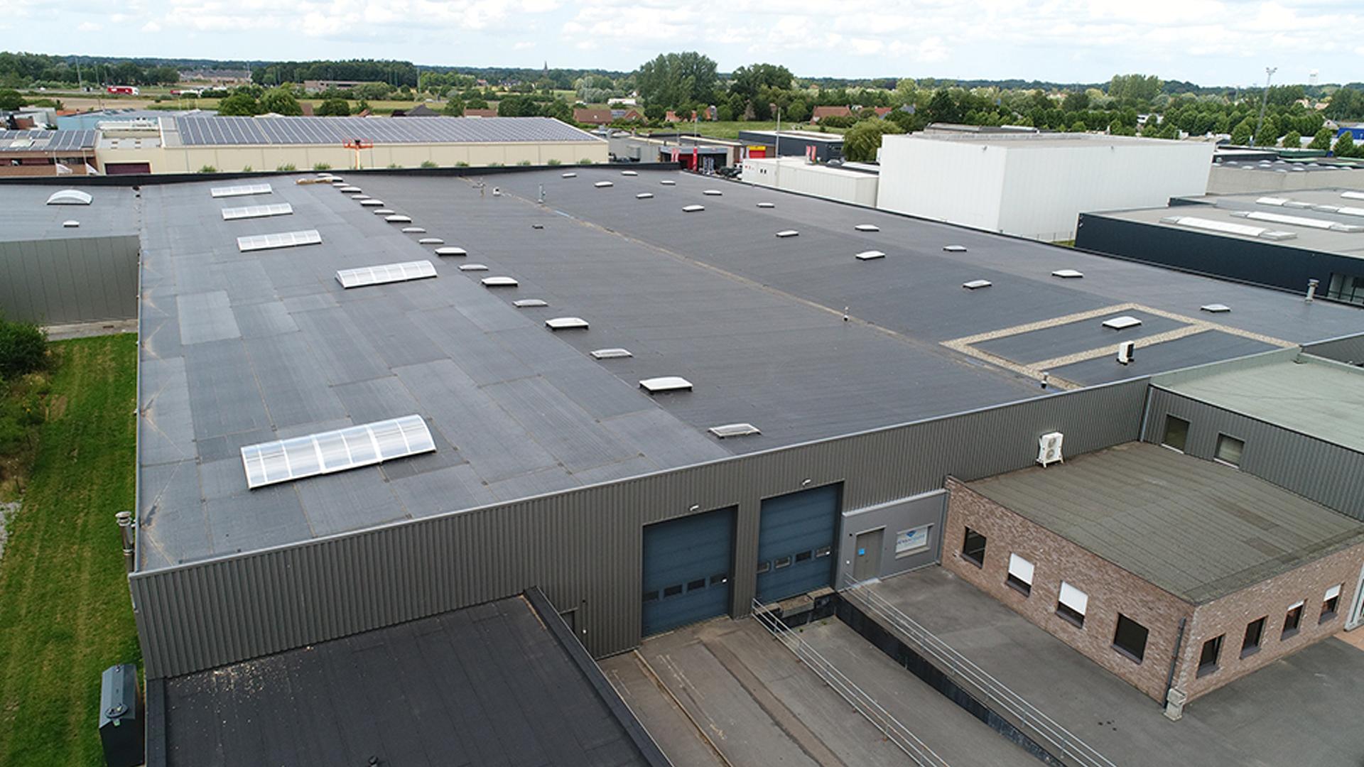 Platte daken voor industrie, KMO en bedrijven
