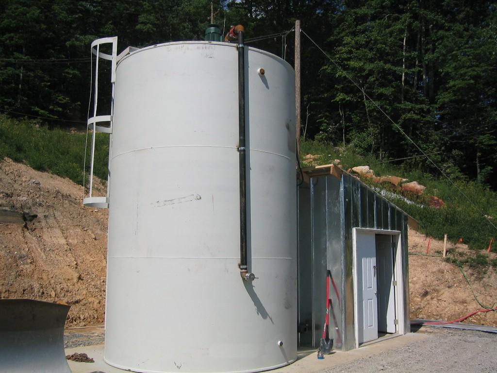 9,000 gallon, Carbon Steel storage tank