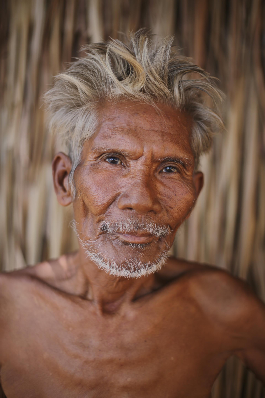 Tagbanua man from Coron Palawan, photograph by Terence Angsioco