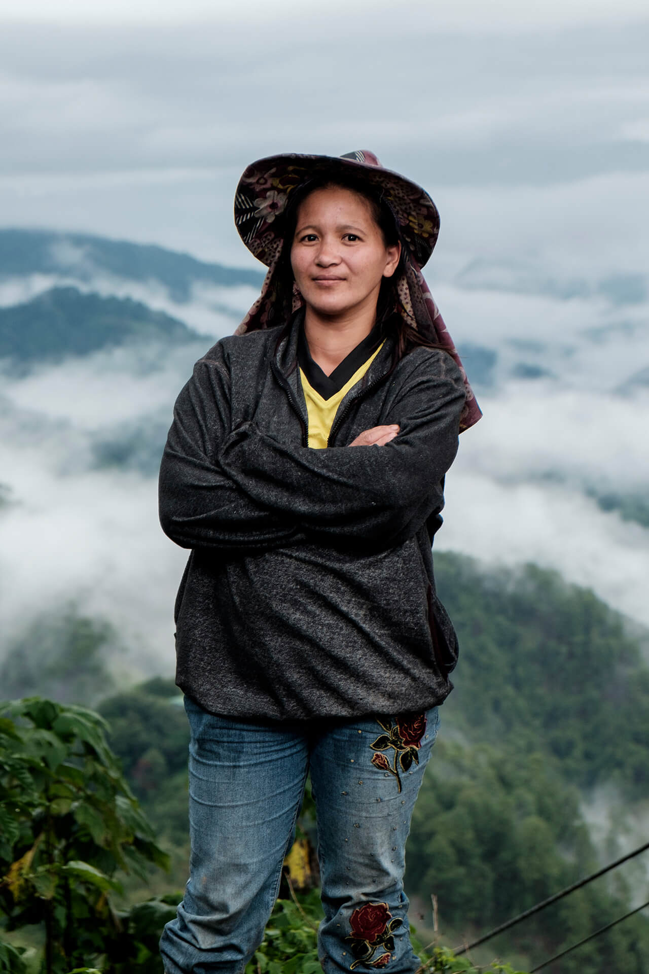 GENA. Third generation coffee farmer and strategic planner. She innovates and improves the way we harvest coffee.