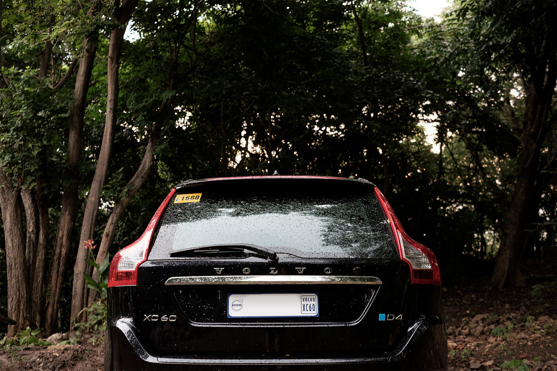 The back view of the Volvo XC60