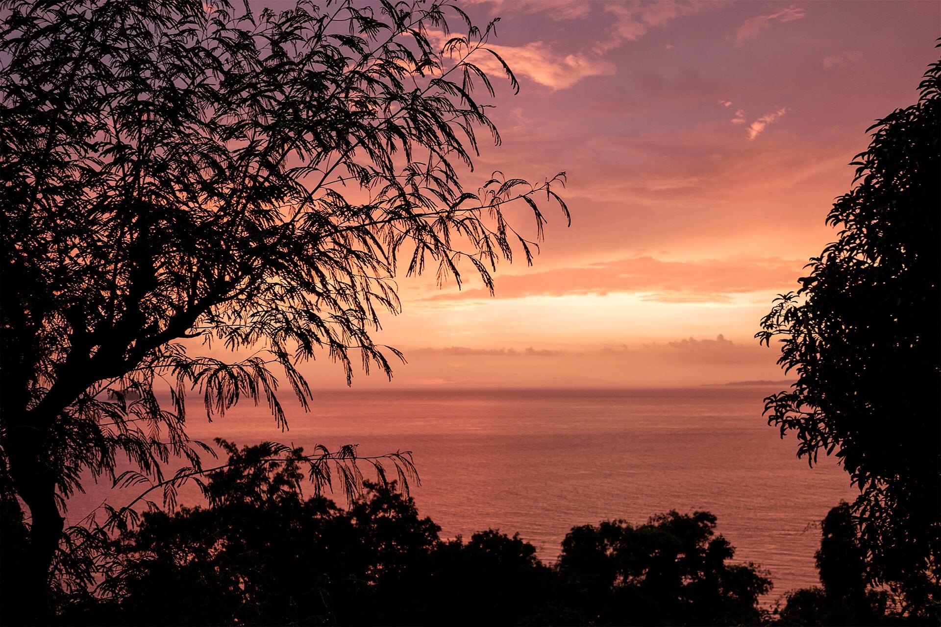A sunset in Anilao